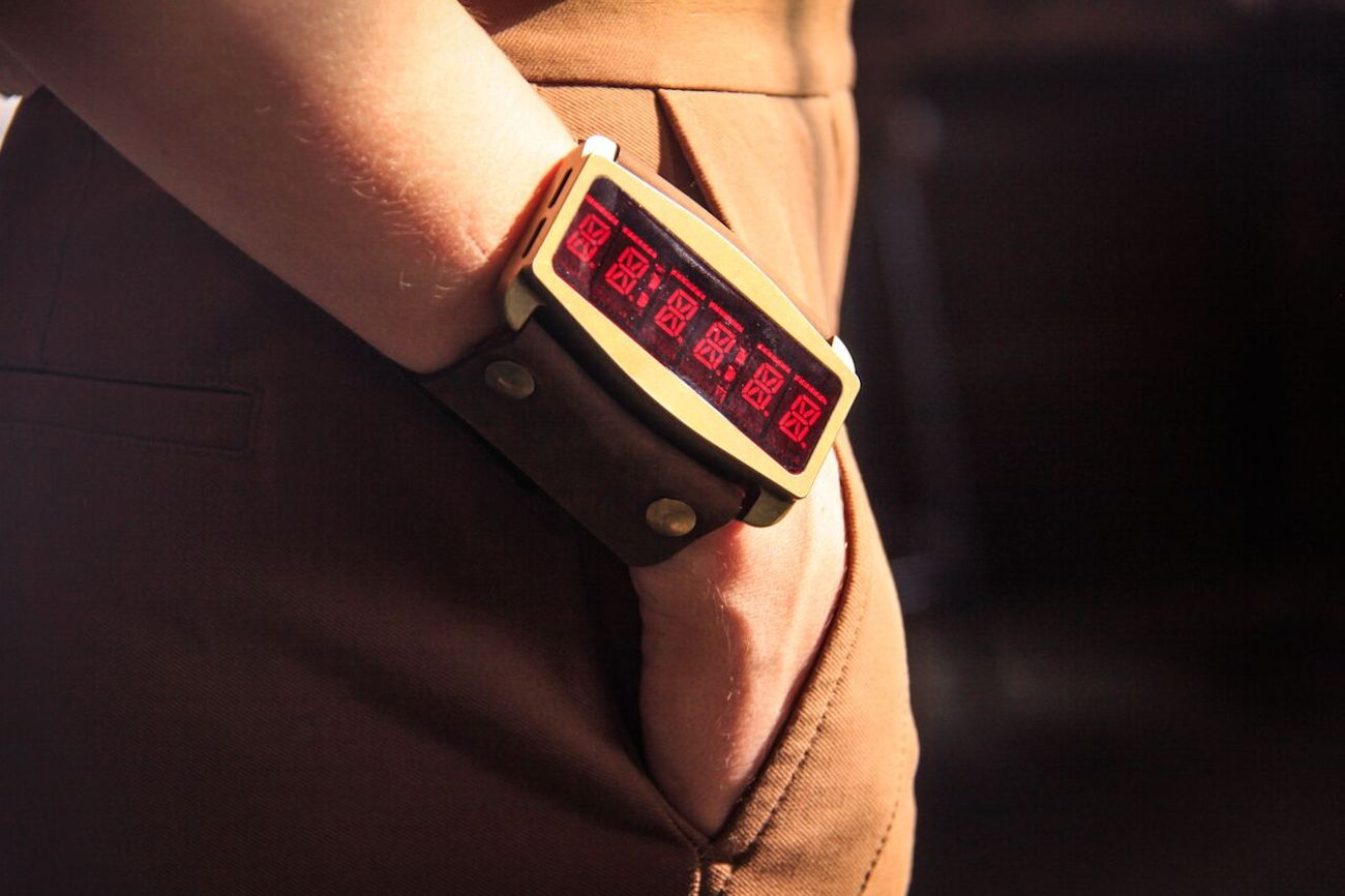 Lifeclock One Snake Edition Retro LED Watch