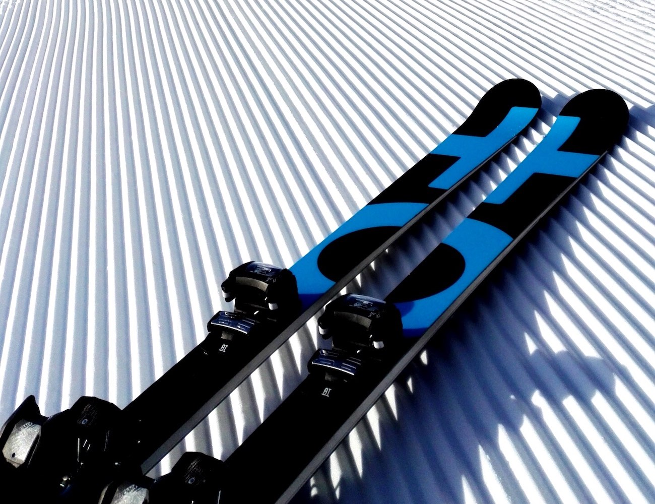 ORIGINAL+ AI Custom Skis