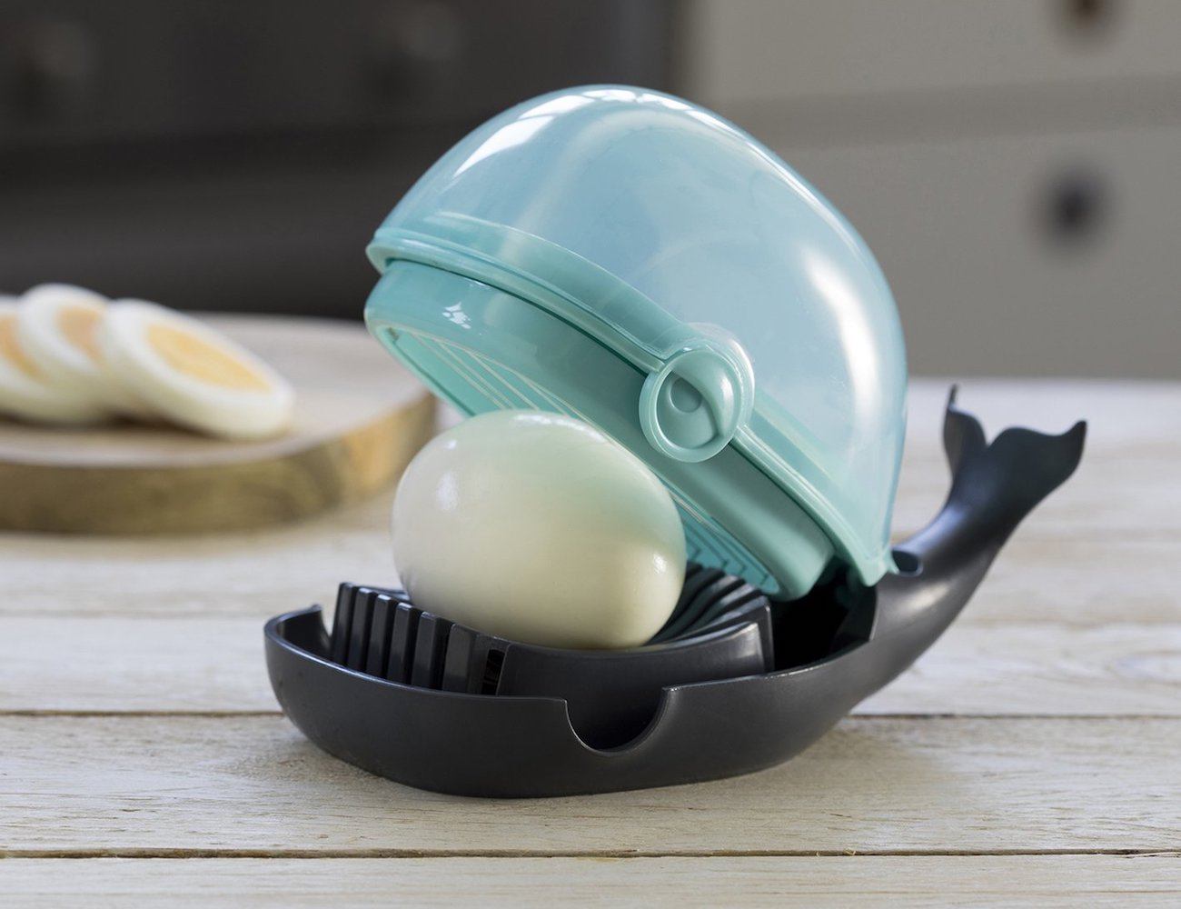 OTOTO Humphrey Egg Slicer Whale