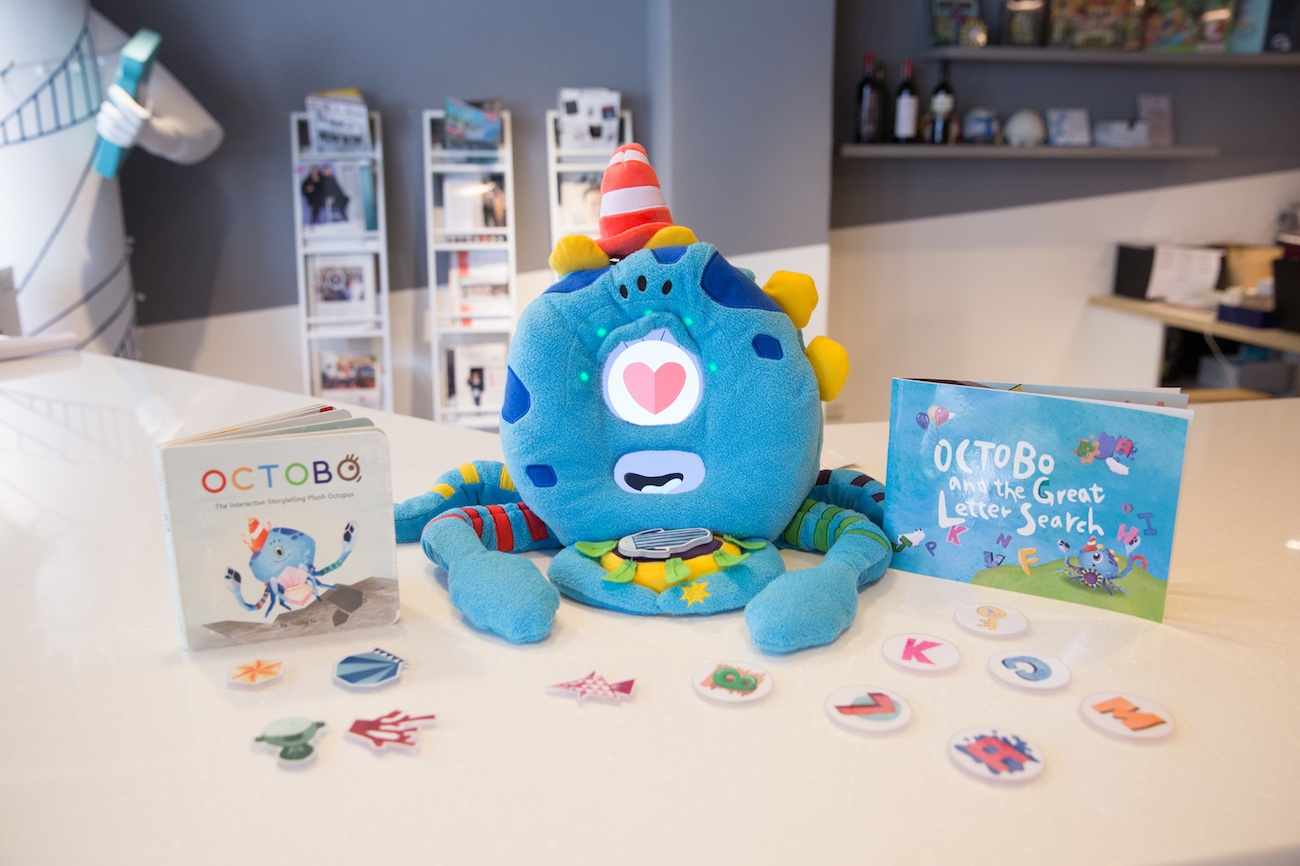 Octobo+Interactive+Smart+Learning+Companion