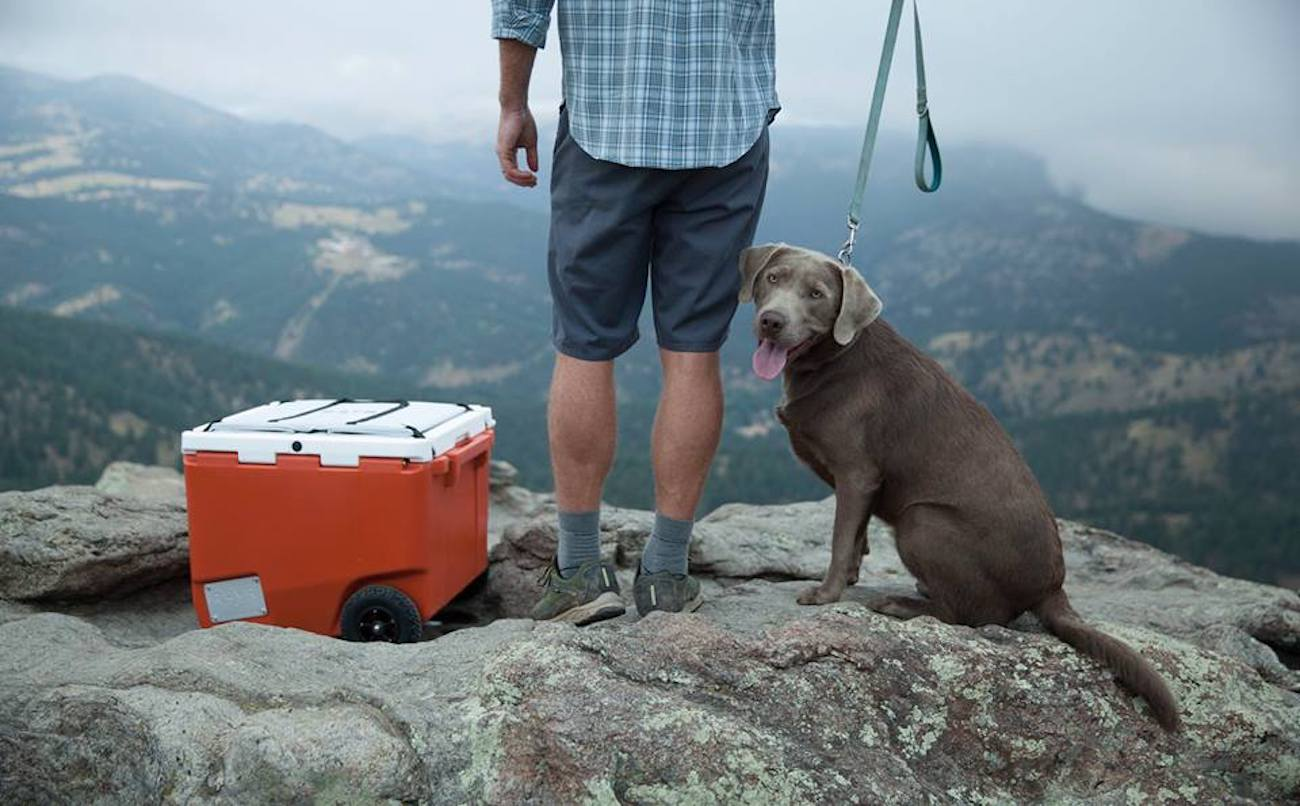 RovR RollR Towable Wheeled Cooler
