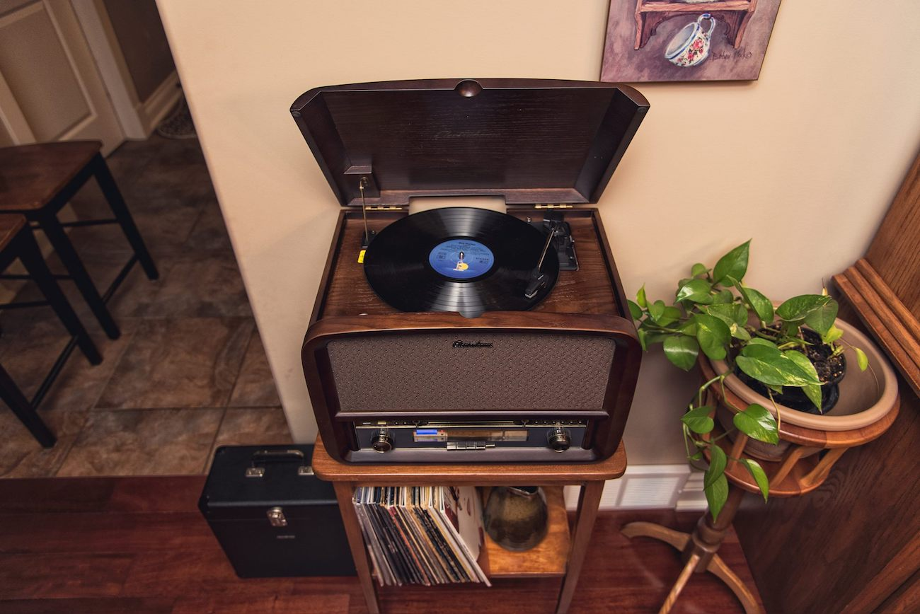 Signature Retro Vinyl Stereo System