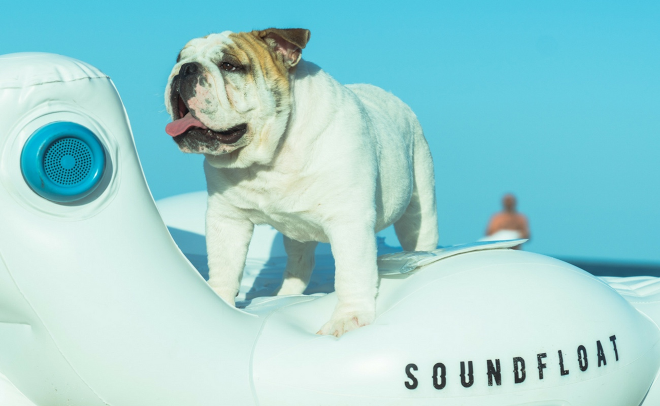 SoundFloat Luxury Inflatable Chair