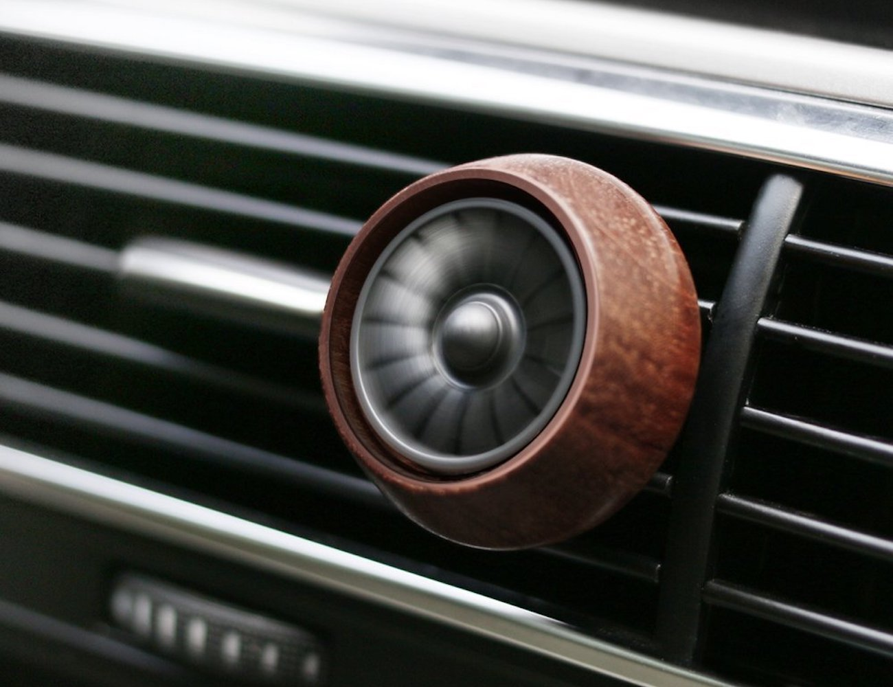 Sununitec SUN-C200 Wooden Car Fragrance Diffuser