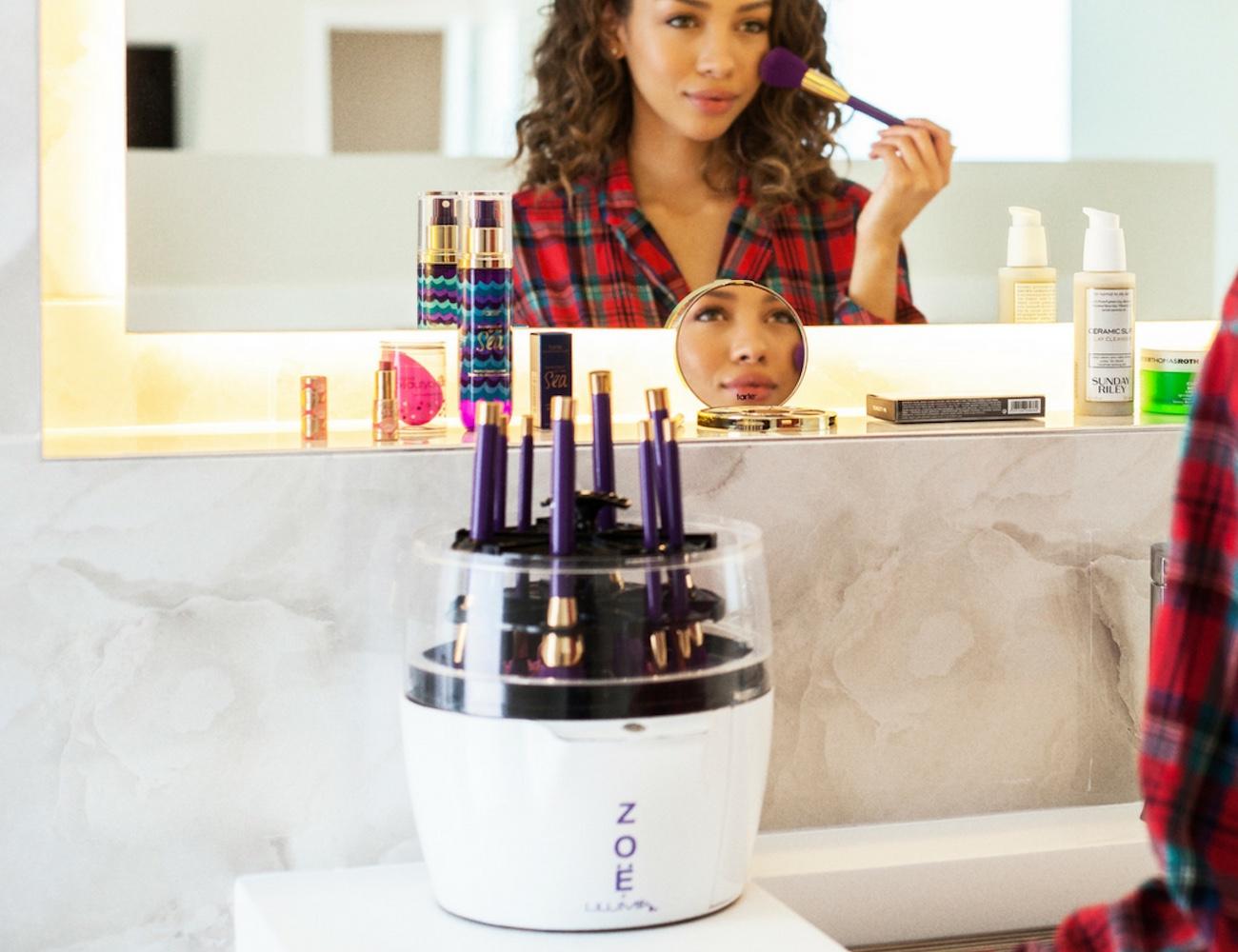 Zoë Makeup Brush Cleaner