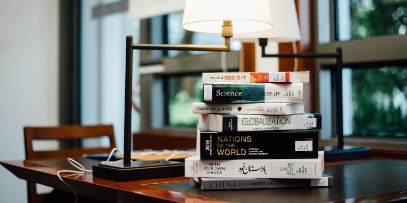 Must-read inspirational tech books to add to your reading list
