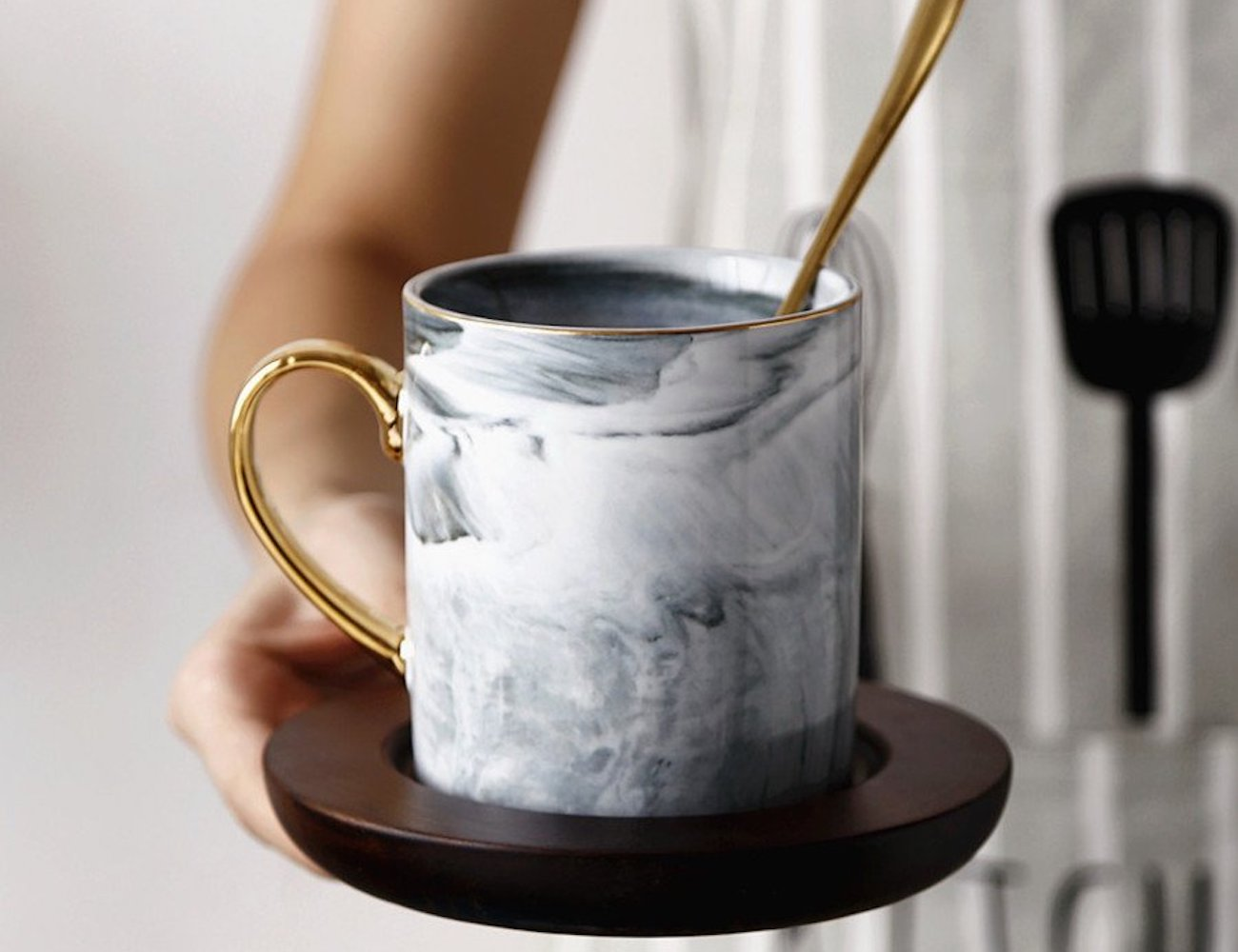 Ly Land Bone China Marble Mug Set