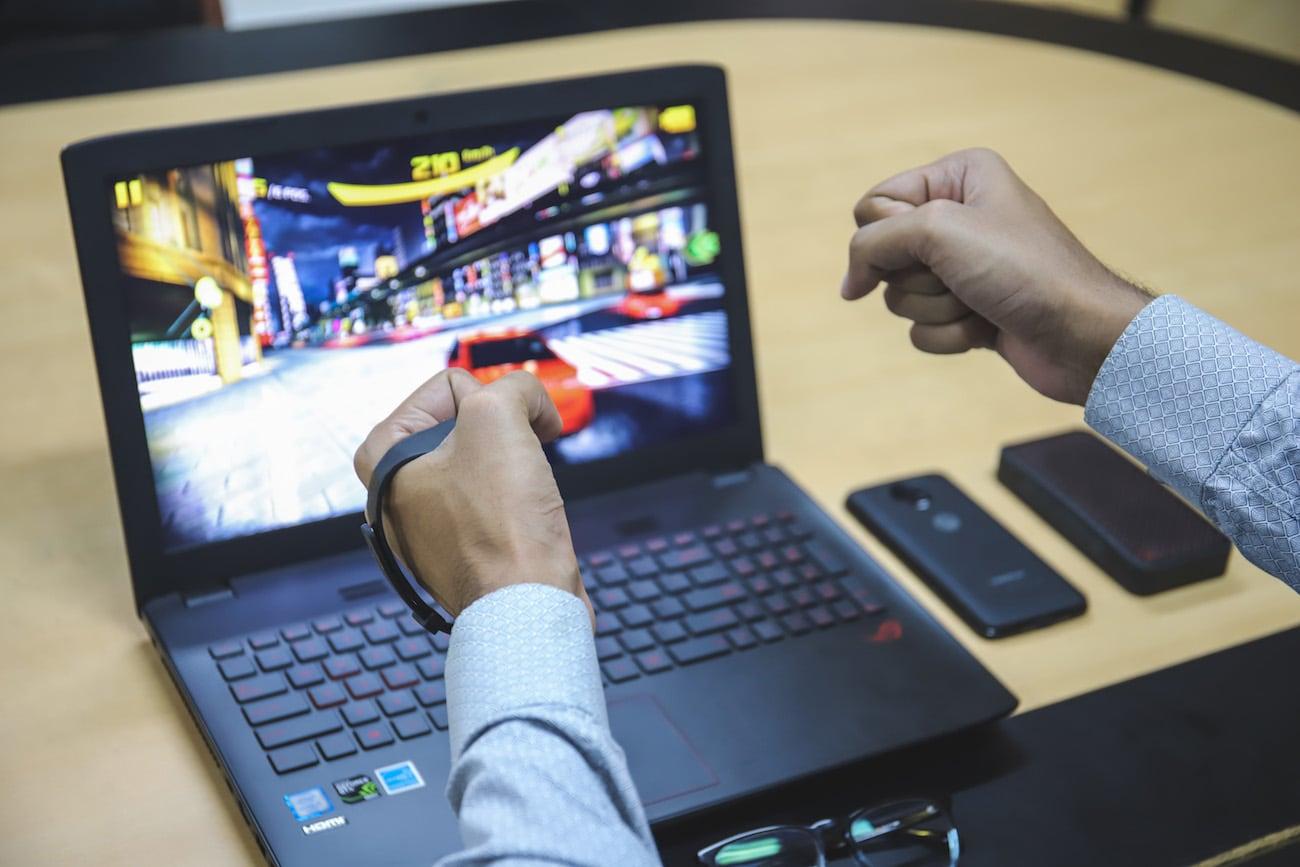Kai Gesture Based Gaming Controller