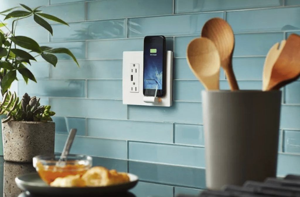 Legrand+Radiant+Wireless+Charger+Wall+Plate