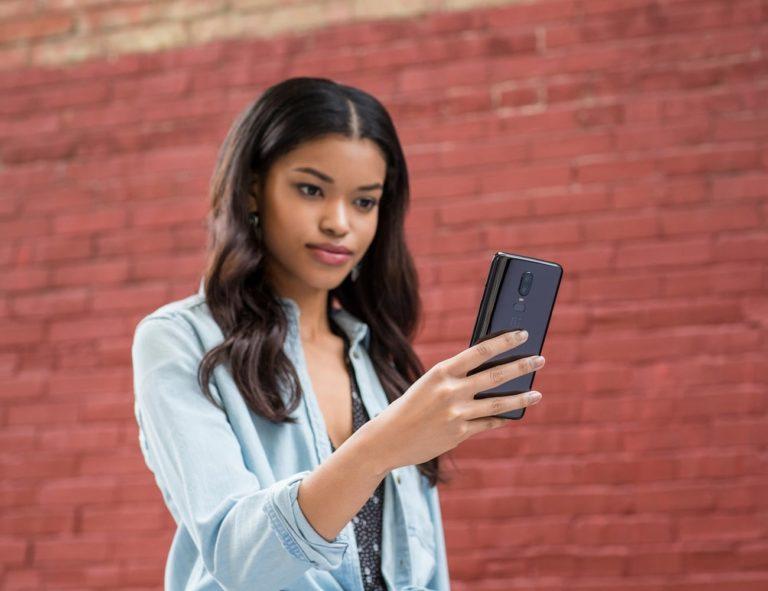 OnePlus+6+Glass+Dual+Camera+Smartphone