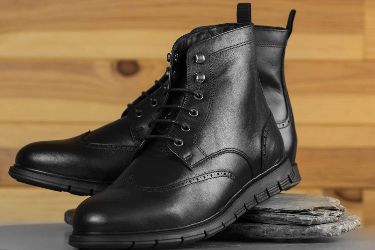 Paul Hardt Versatile High-Performance Footwear