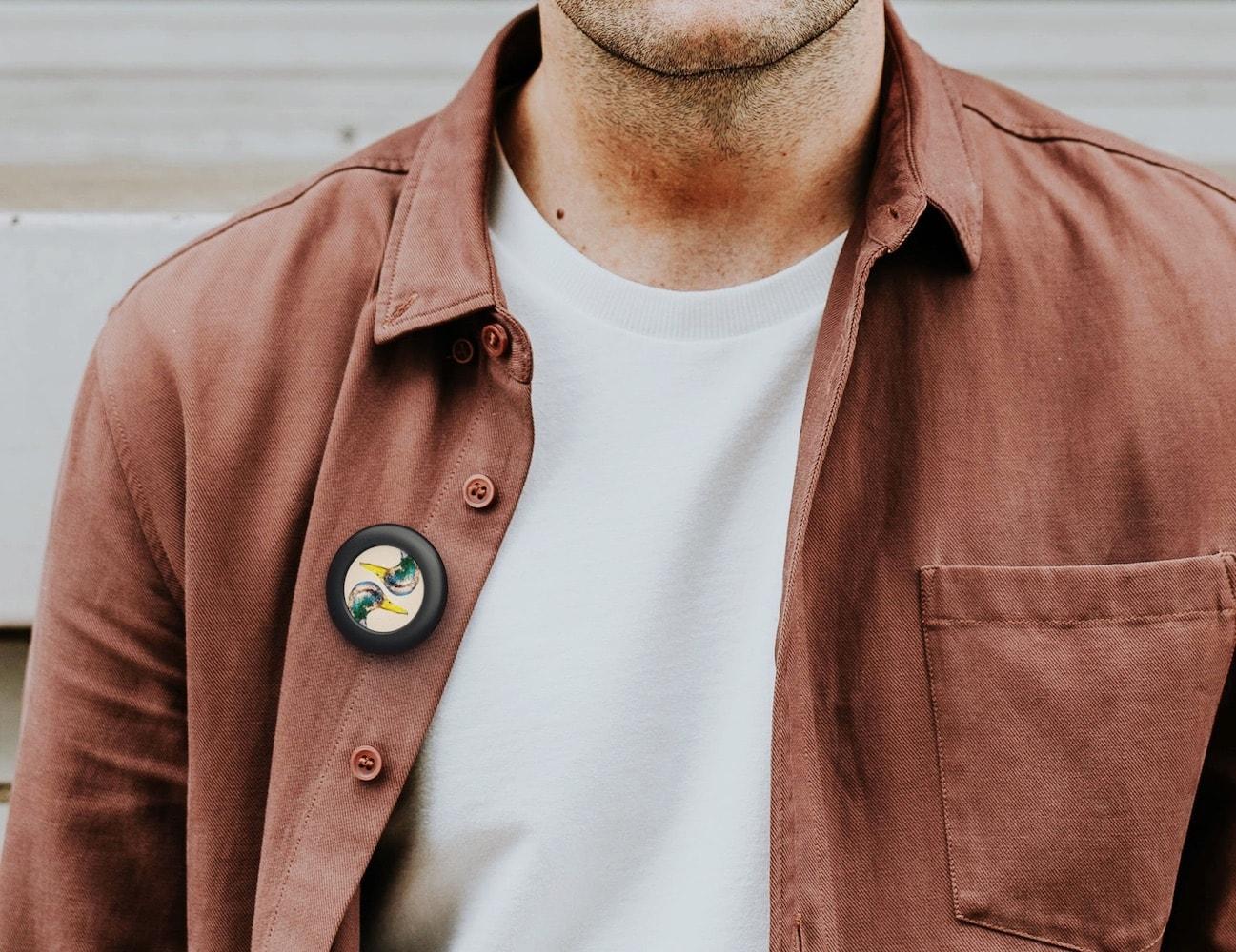 Pin ONE Digital LCD Badge
