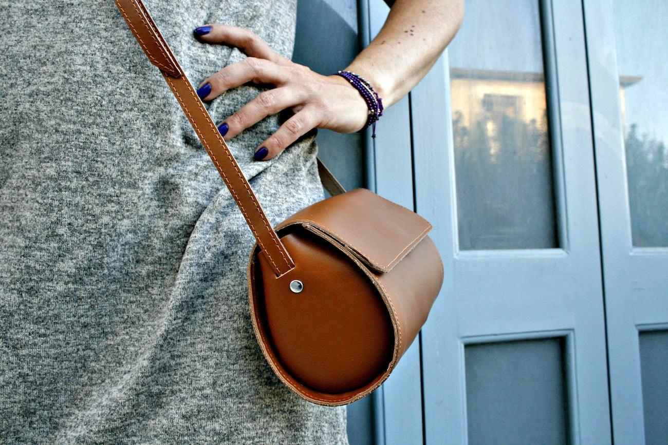 UrbanNomadBS Round Leather Purse