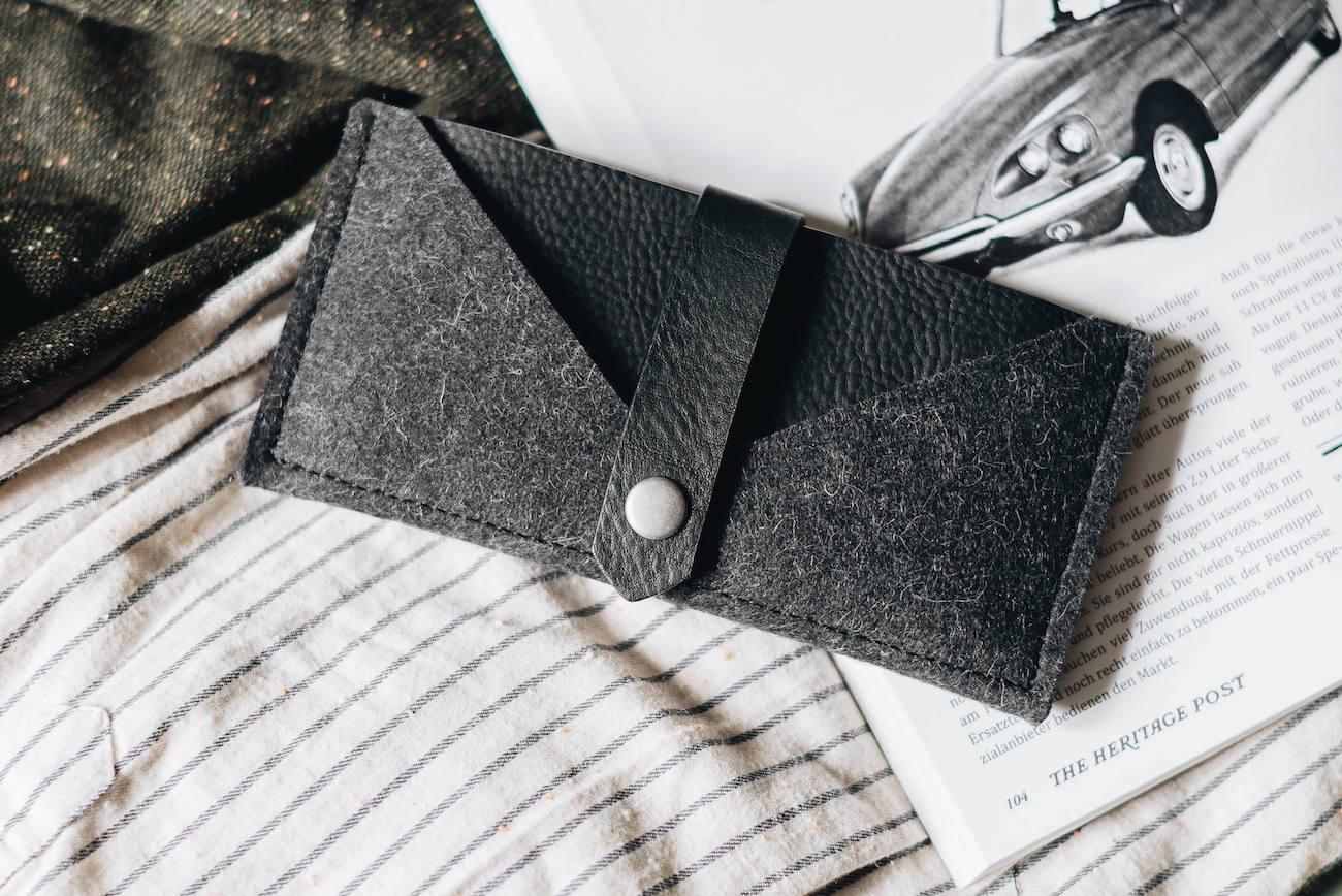 band&roll Handmade iPhone X Wallet