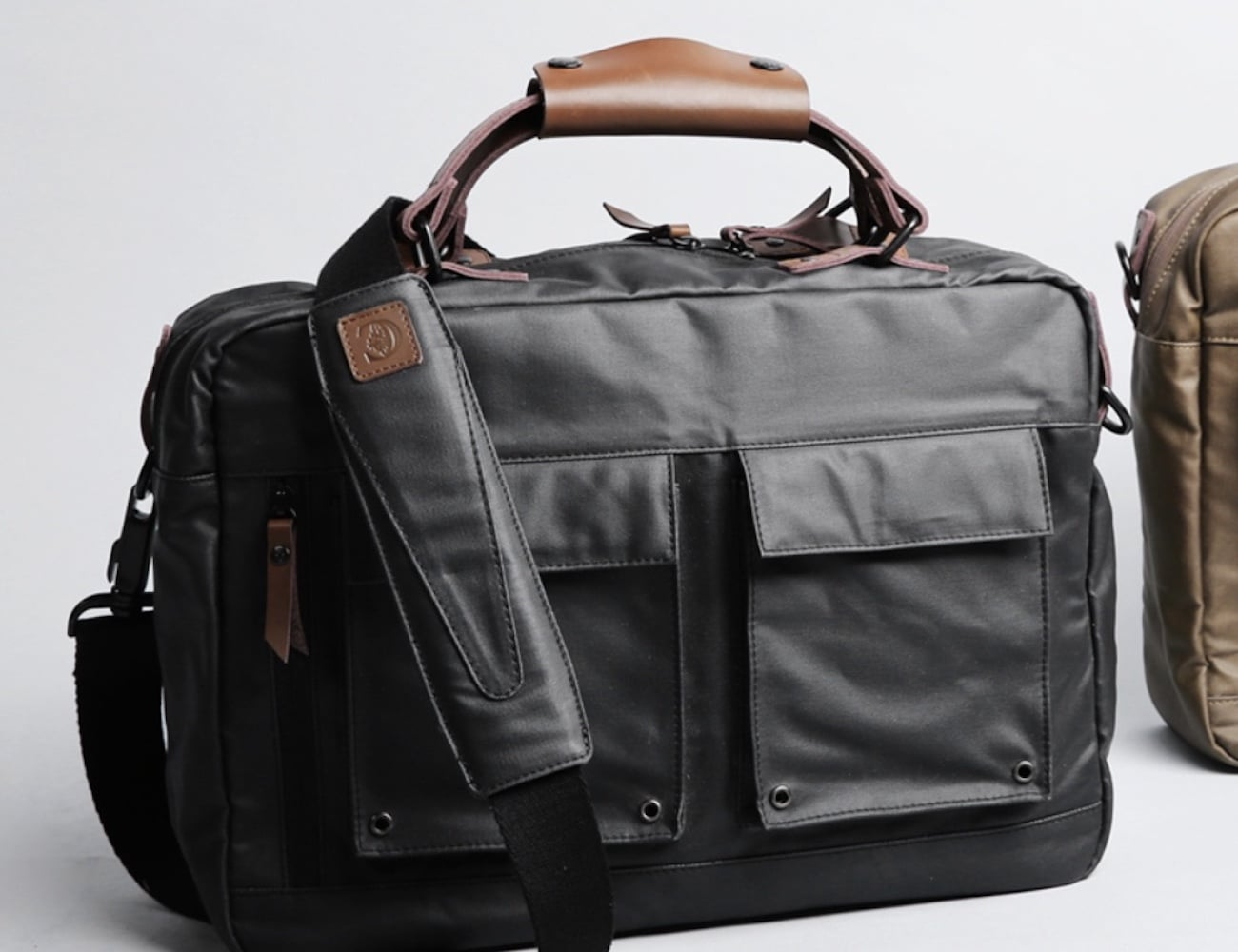 Everyday MacBook Messenger Bag