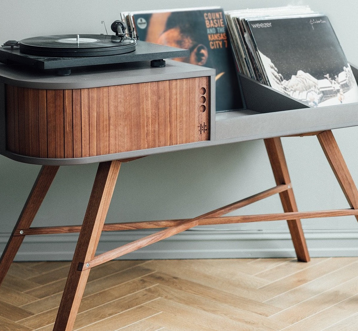 HRDL The Vinyl Table Record Player Cabinet displays your record collection