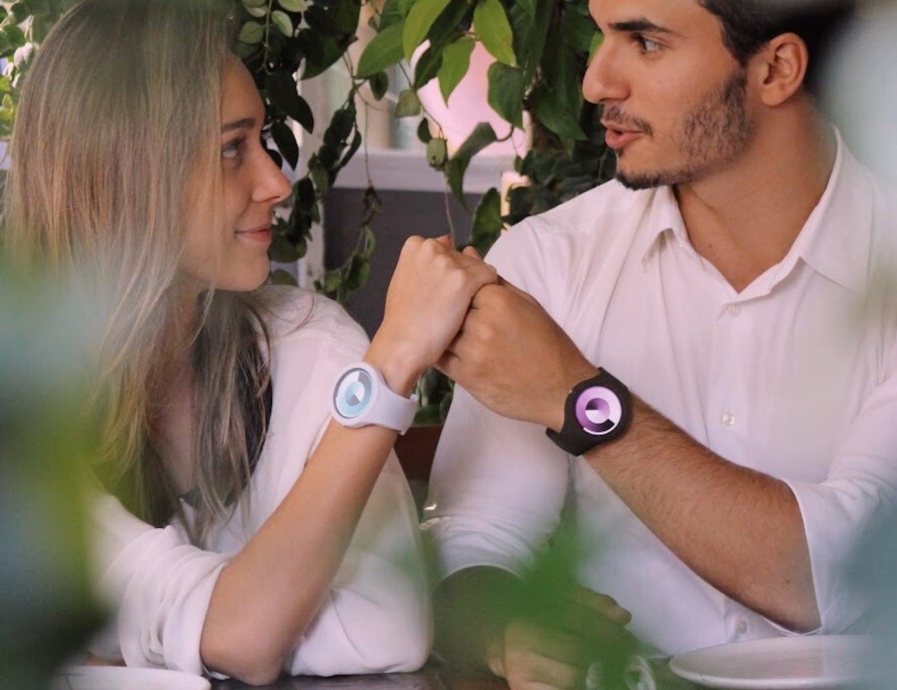ONNE Stylish Minimalist Smartwatch