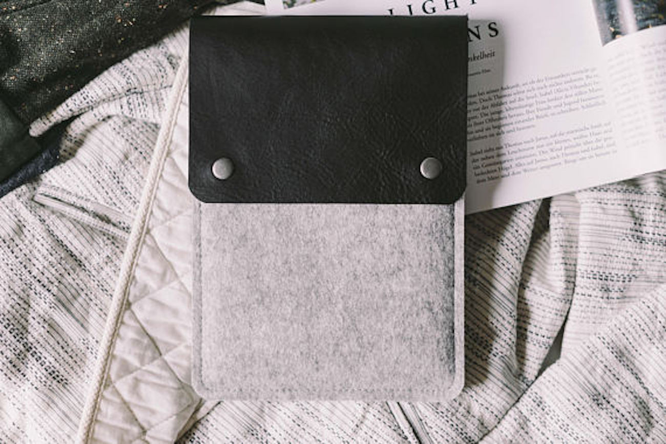 band&roll Leather Kindle Case