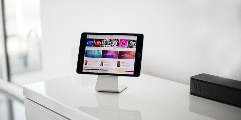 Micro-Suction iPad Stand
