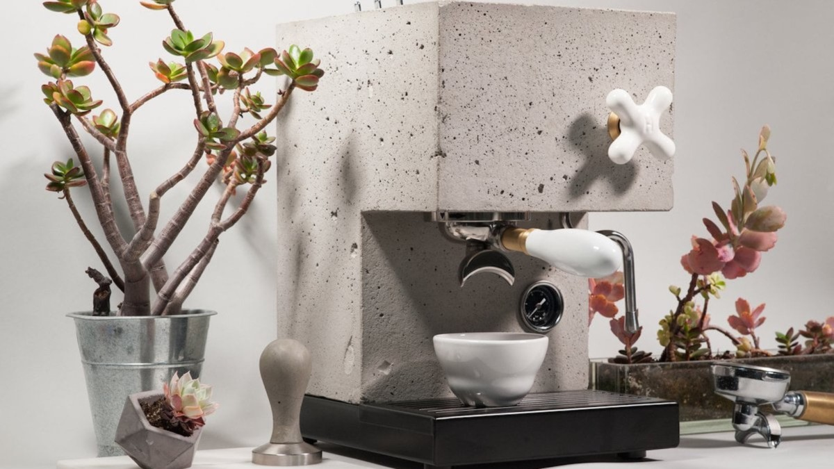 16 Coffee makers and accessories with unique designs