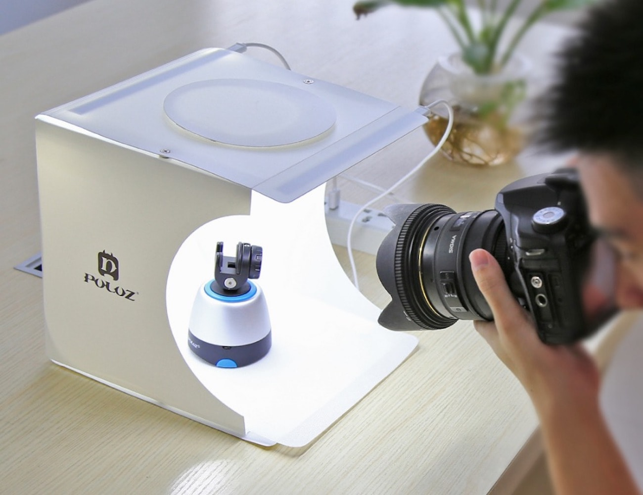 Foldable Photo Studio Lightbox sets up in seconds