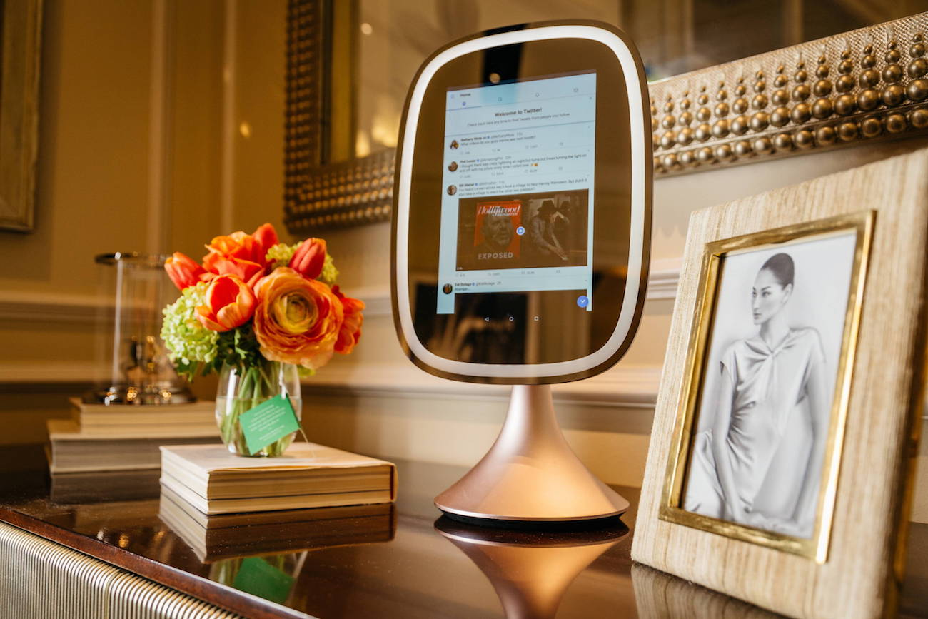 Frednology Allure Smart Makeup Mirror