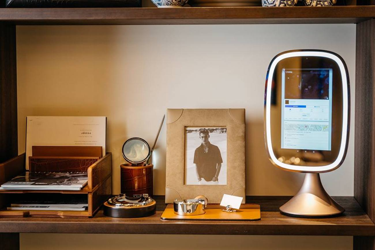 Frednology Allure Smart Makeup Mirror 187 Gadget Flow