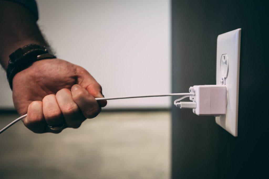 Piranha+Plug+Locking+USB+Charger