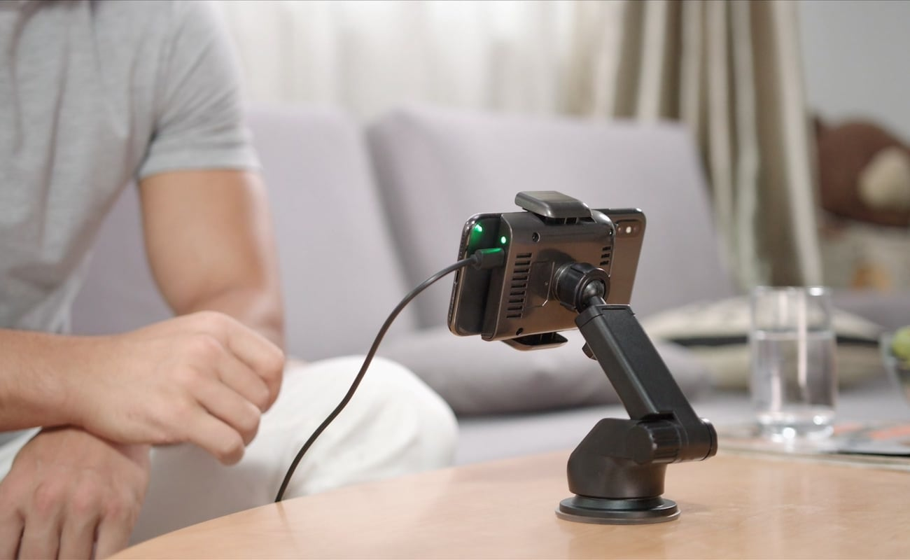 ROBOQI Advanced Robotic Wireless Charger