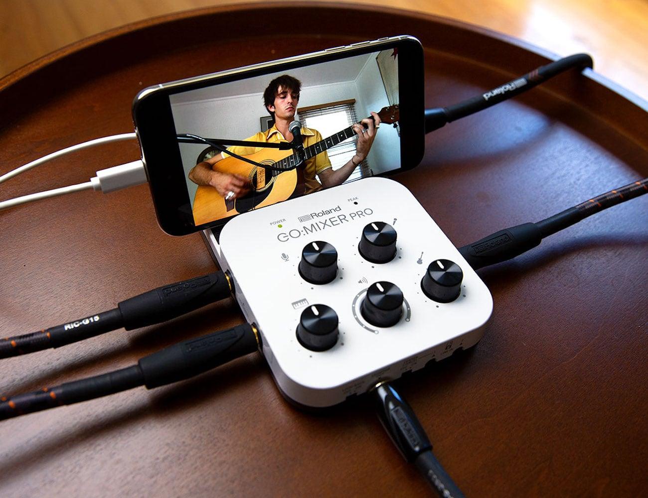 Roland GO:MIXER PRO Smartphone Audio Mixer