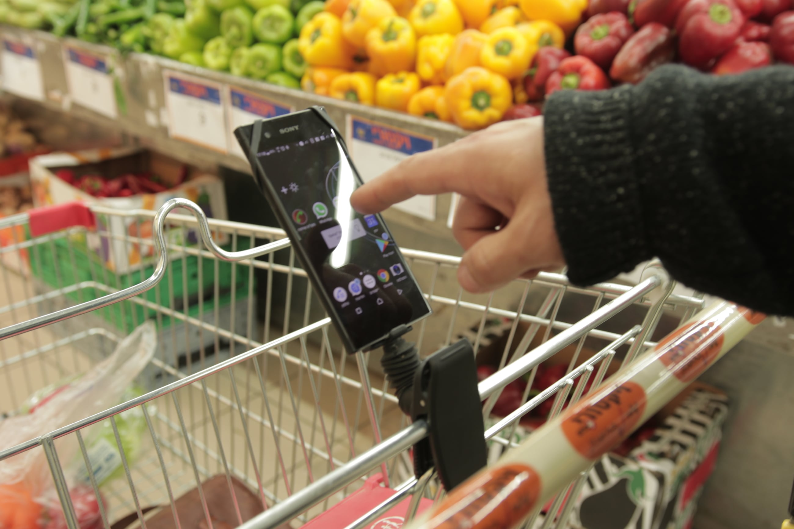 Stando Wearable Mobile Stand