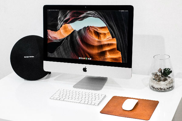5 iMac accessories to organize your workspace
