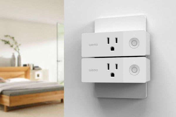 5+Smart+plugs+to+control+your+electronics+from+afar