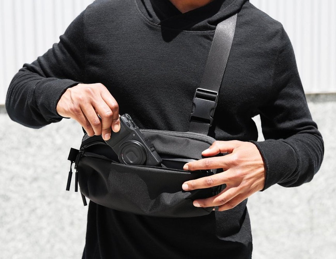 Aer Day Sling Bag 2