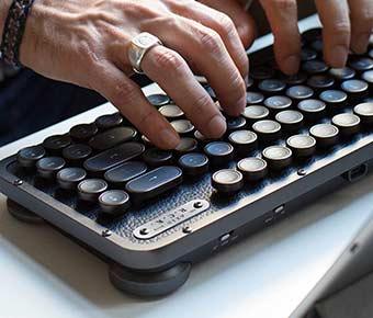 Azio+Retro+Compact+Mechanical+Keyboard