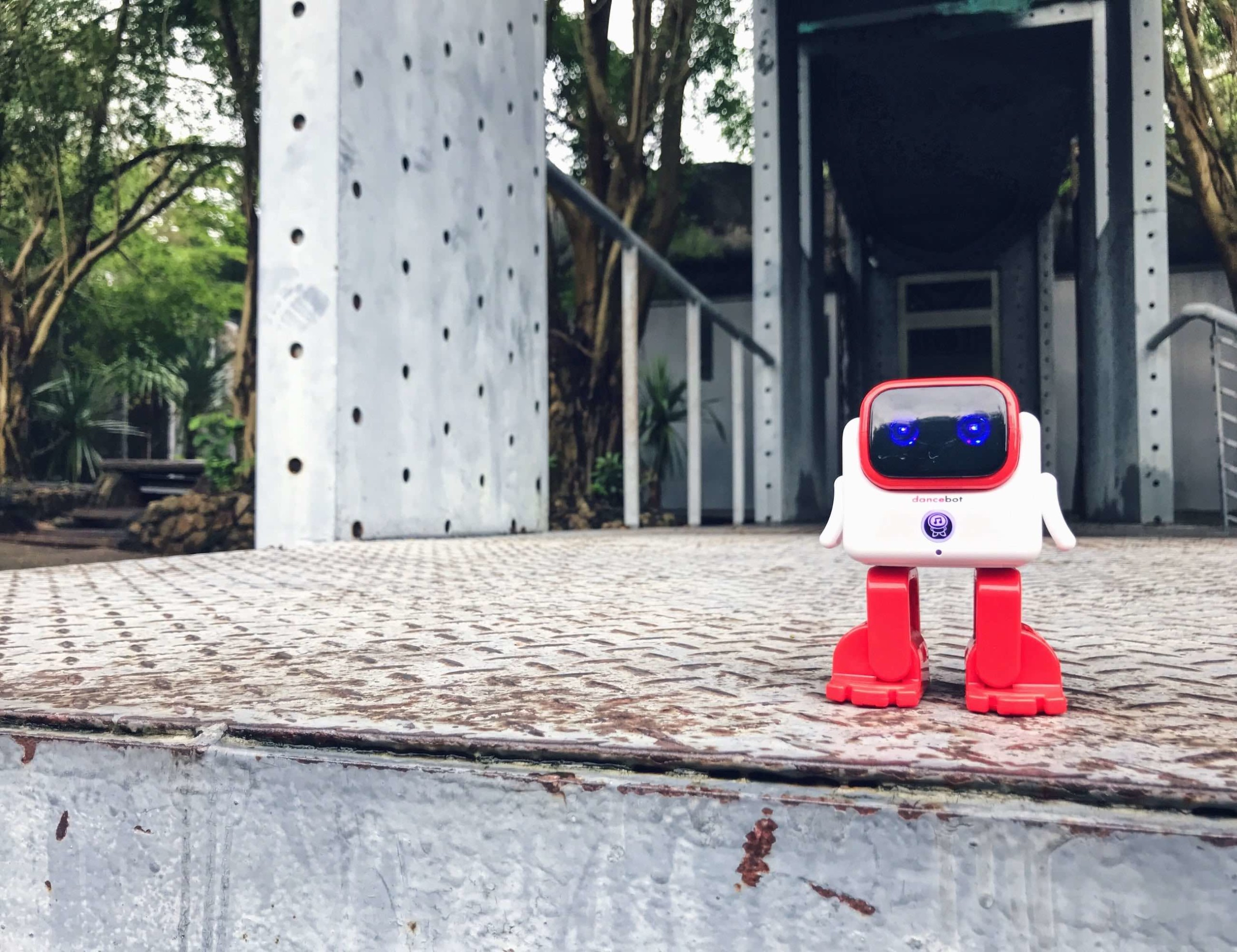 Dancebot Smart Dancing Robot Speaker