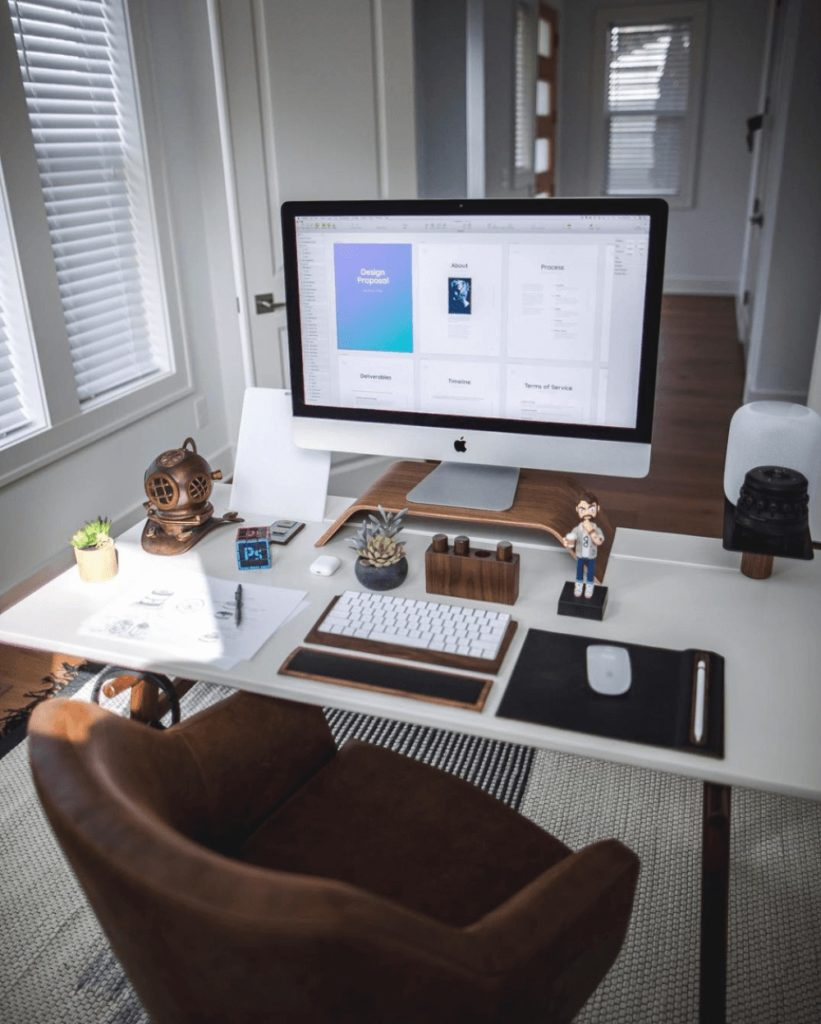 Desk set up by Marcelo Silva