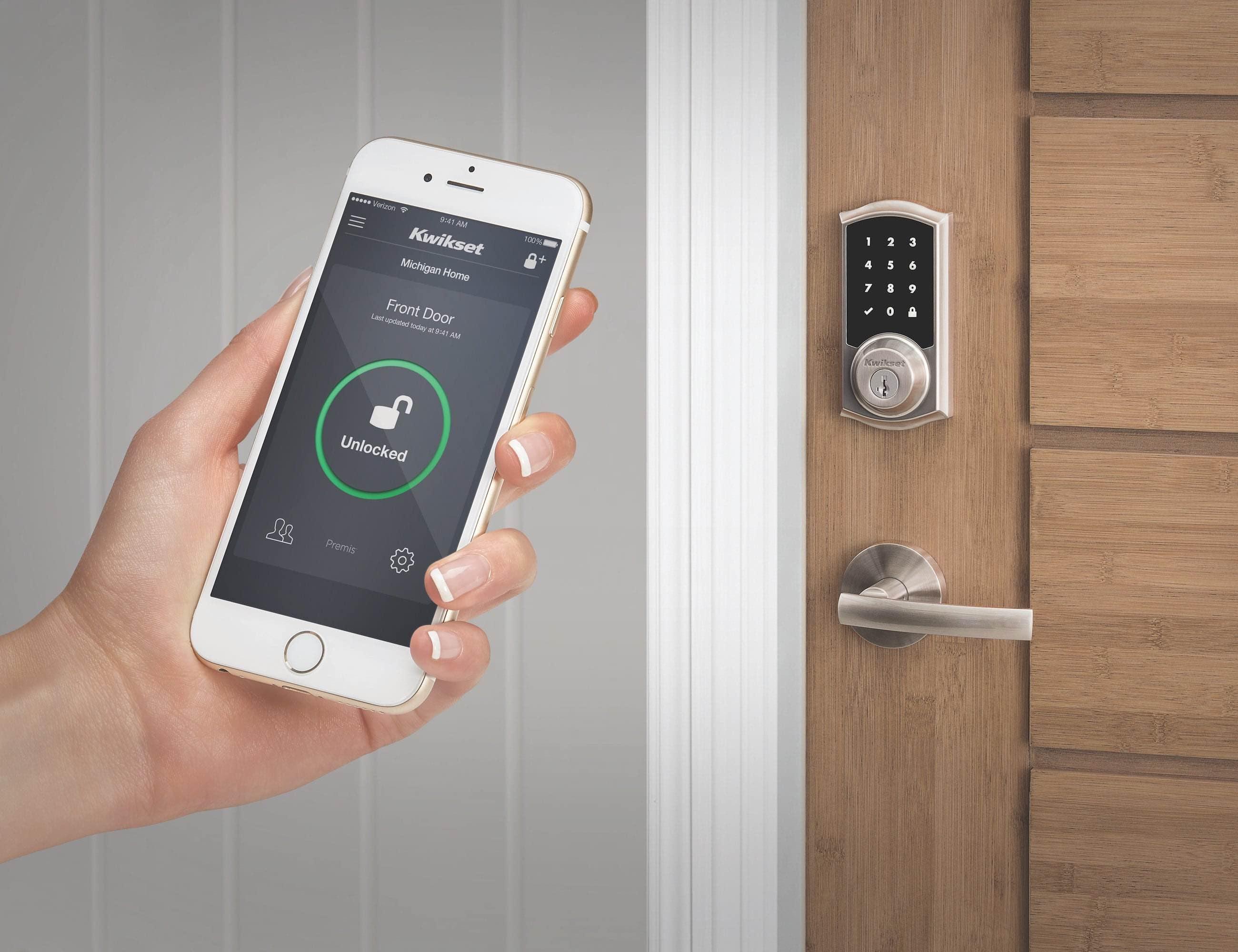 Kwikset Premis Touchscreen Smart Lock loading=