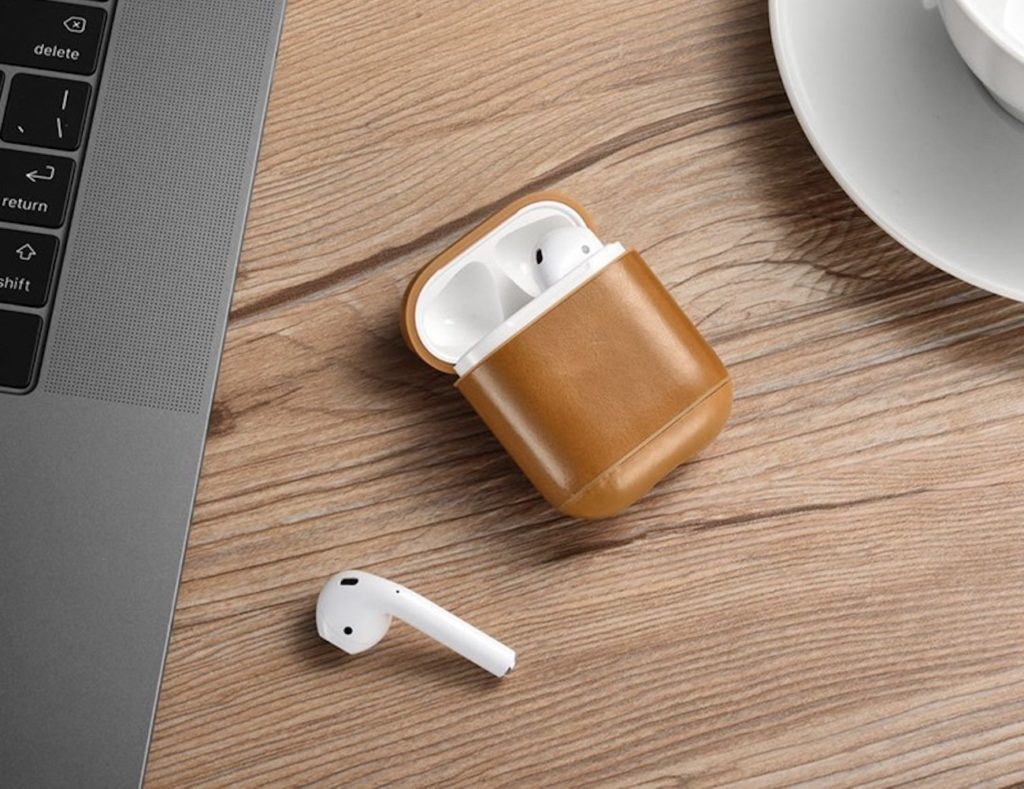 Leather+AirPods+Case+lets+you+wirelessly+charge