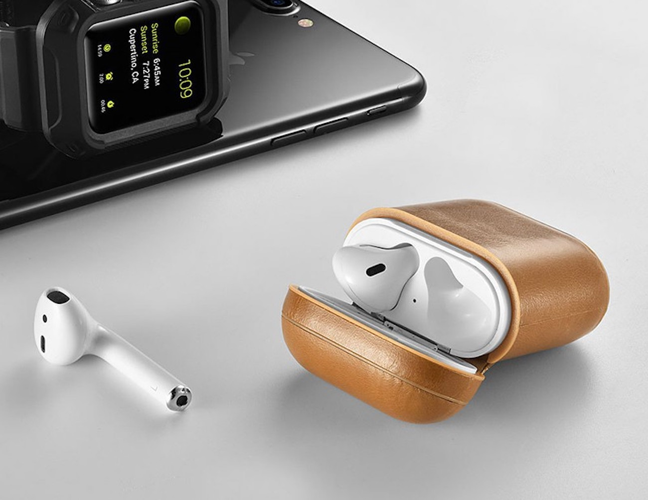 Leather AirPods Case lets you wirelessly charge