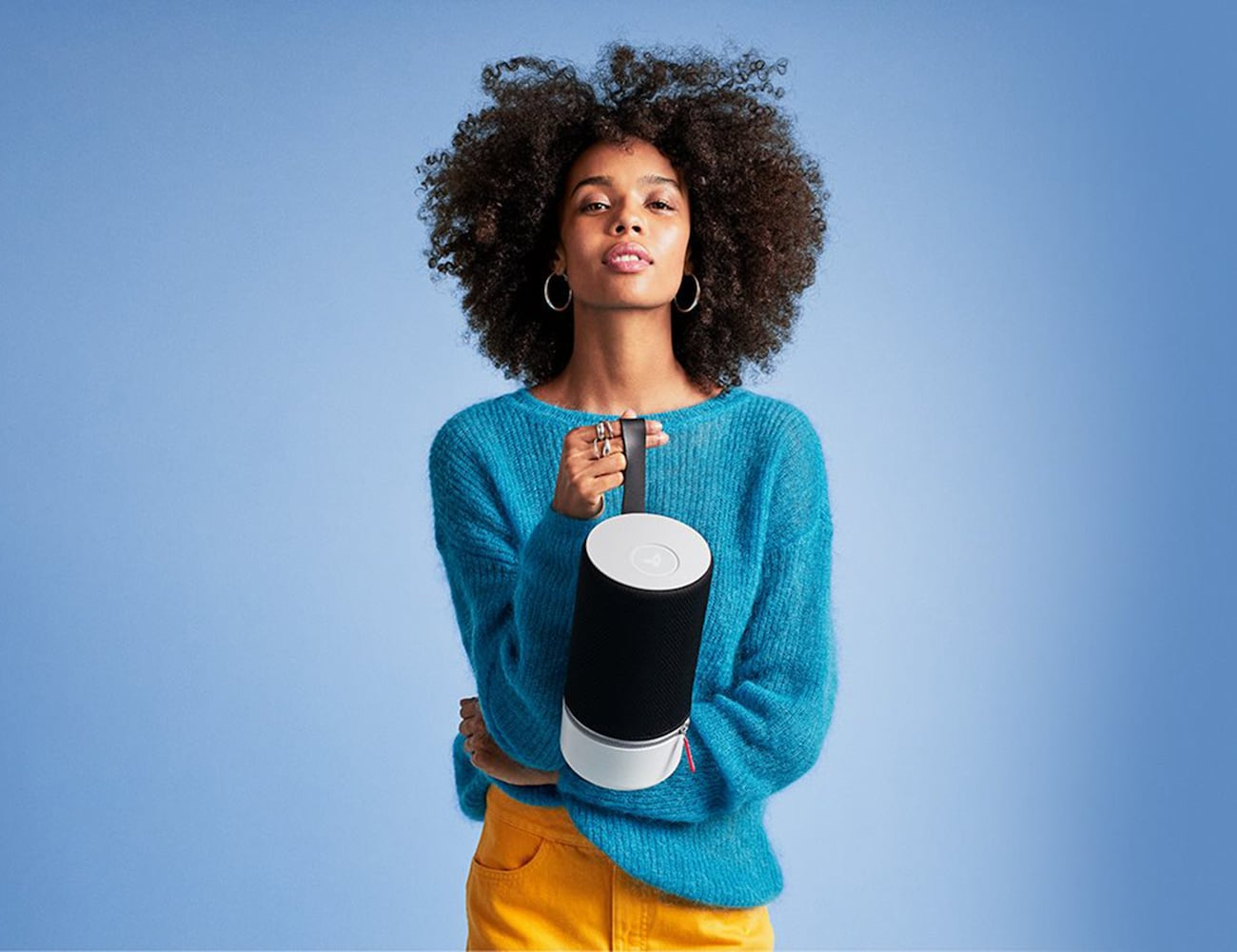Libratone ZIPP 2 Smart Portable Alexa Speaker changes colors depending on its cover