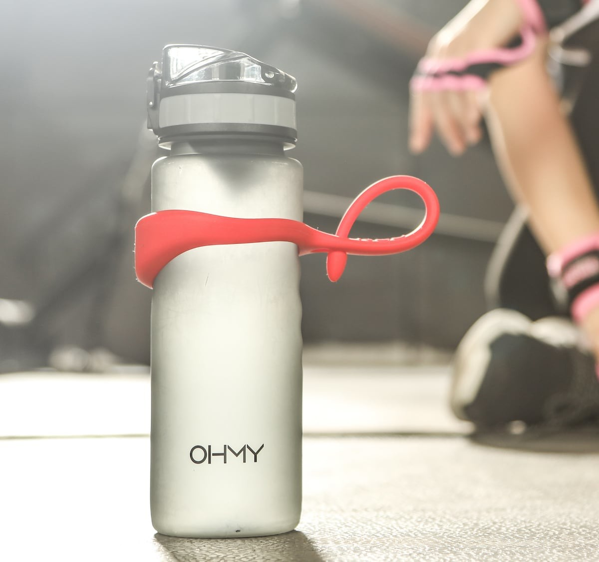 Life's Easy Neo Magnetic Bottle Holder water bottle strap clings on to any metal surface