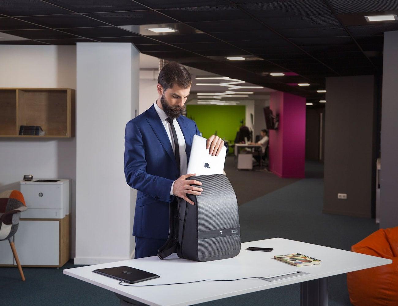 Lumzag Smart Carbon Fiber Bag