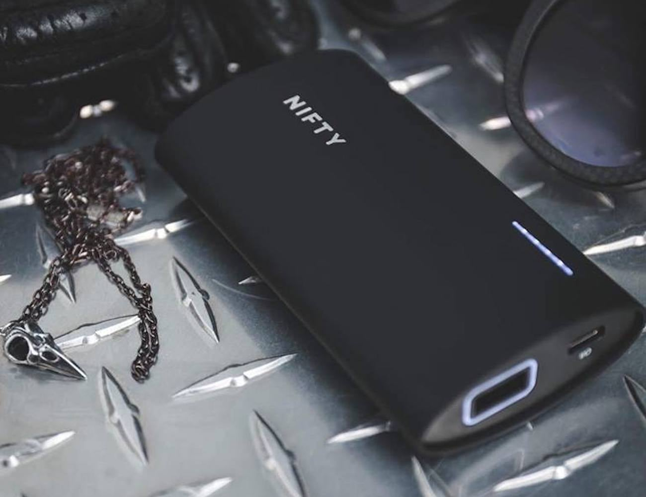 NIFTY Powerful Mobile Charger