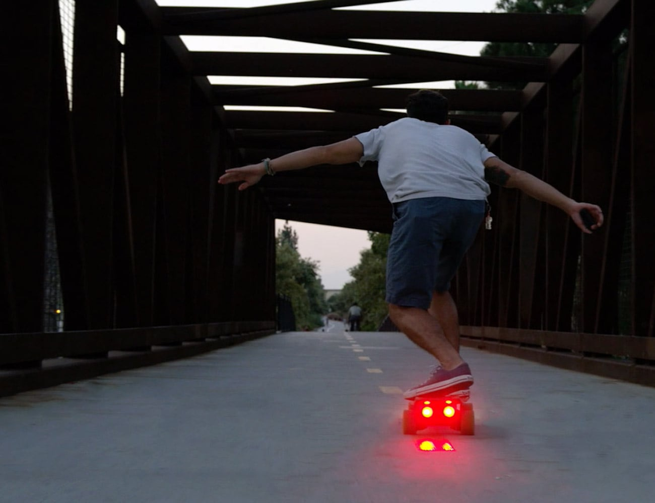 Riptide R1 Compact Electric Skateboard