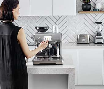 Simplify+Coffee+Making+with+the+Touch+of+a+Button