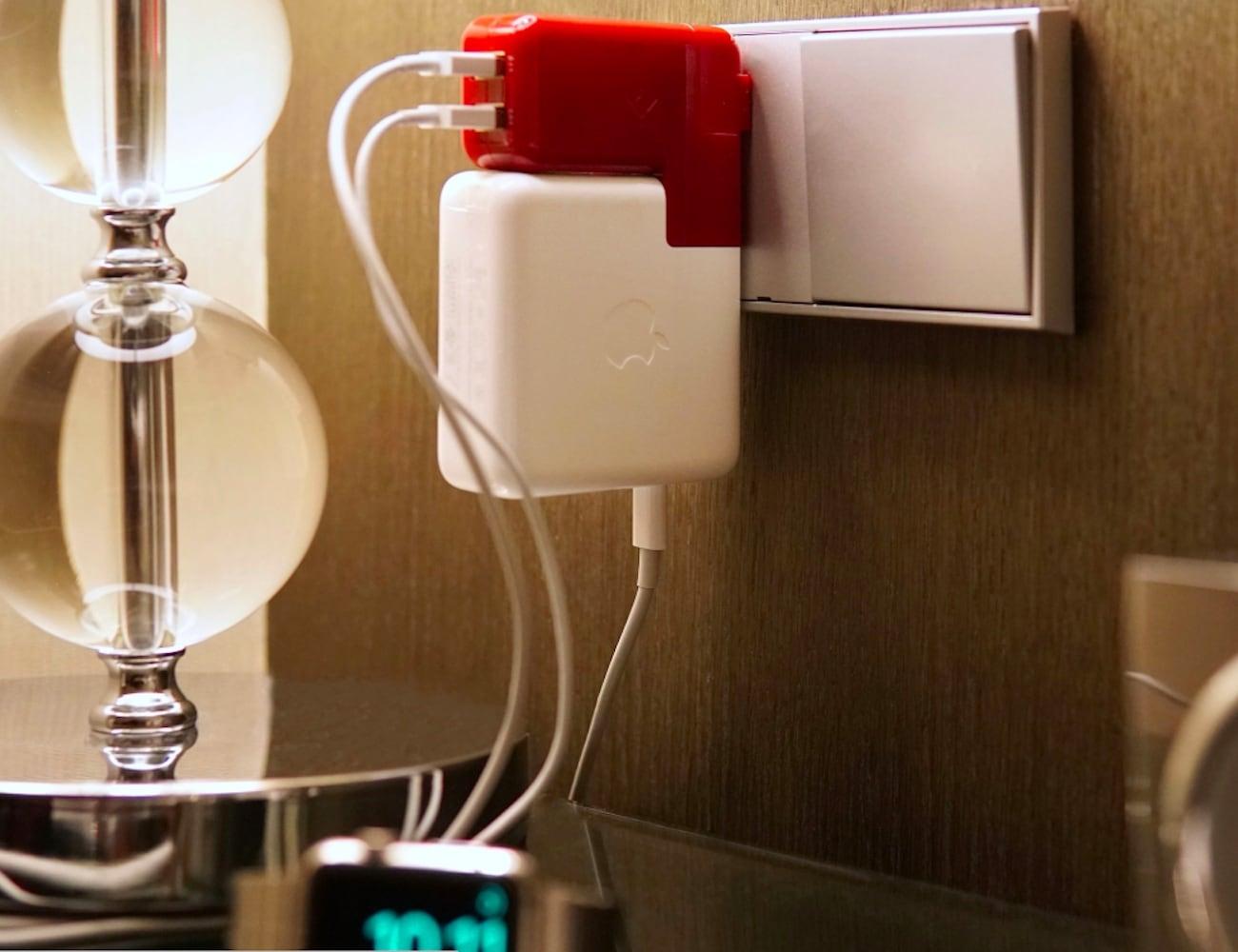 TwelveSouth PlugBug Duo MacBook Travel Adapter