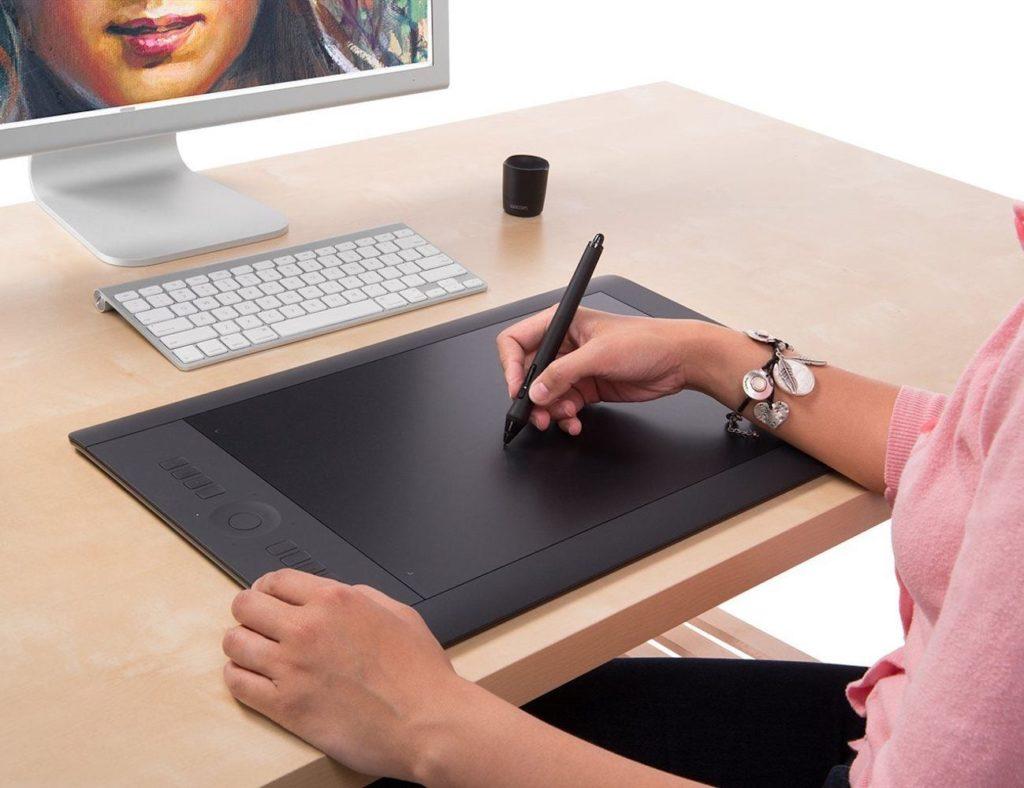 Wacom Intuos Pro Creative Pen Tablet
