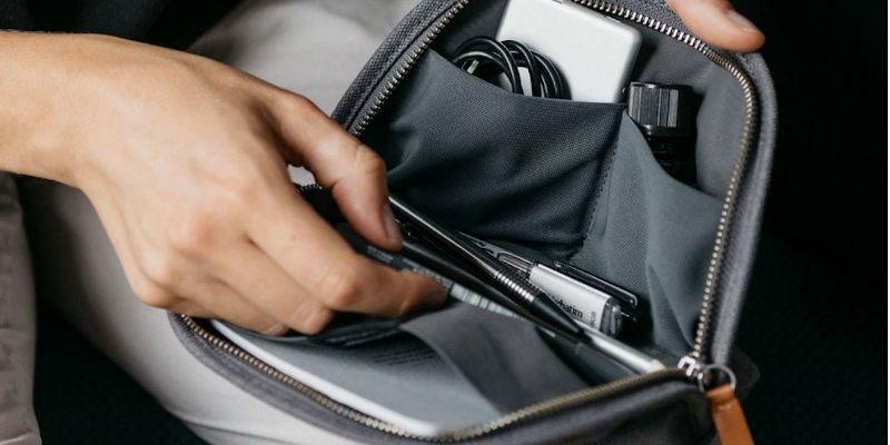 Bellroy organizer pouch