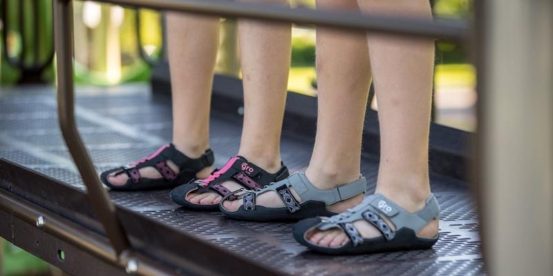 expanding sandals 05